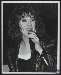 (Source: Bibliothèque et Archives nationales du Québec, Céline Dion, 1981-1998, BAnQ Vieux-Montréal, Fonds La Presse, (06M,P833,S2,D1619), Robert Mailloux)