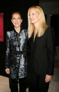 Céline Dion and photographer Anne Geddes at Sony Music's Sony Club in New York City. (© Scott Gries/Getty Images)