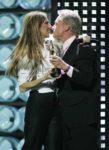 Céline Dion, Michael Douglas (© REUTERS/Ethan Miller)