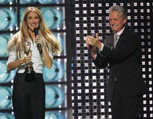 Céline Dion, Michael Douglas (© AP Photo/Eric Jamison)
