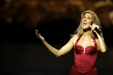 Céline Dion during her 500th performance of A New Day... (© Photo AP/Isaac Brekken)
