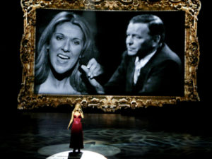 Céline Dion gives a tribute to Frank Sinatra during her 500th show in Las Vegas. (© Photo AP/Isaac Brekken)