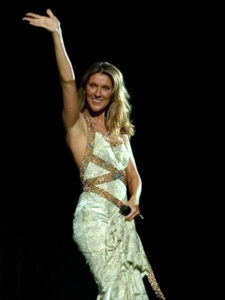 Céline Dion waves to the crowd during her 500th show in Las Vegas. (© Martin Bouffard)