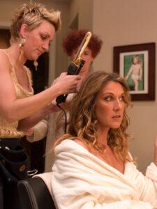 Céline Dion with her hairdresser Tricia Jenkins (© Le Journal de Montréal/Martin Bouffard)