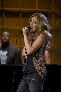 Barnev Valsaint, Céline Dion (© Associated Press)