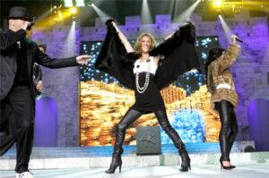 Céline Dion, Pascal Obispo and Jenifer (© TF1© Etienne Chognard)
