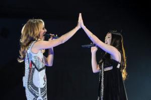 Céline Dion, Yuna Ito (© Akihiro I/Getty Images Entertainment)