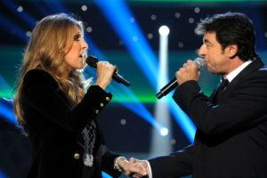 """Céline Dion and Patrick Bruel performing """"Qui a le droit"""" (© Photo Collaboration spéciale, Marc CHAUMEIL)"""